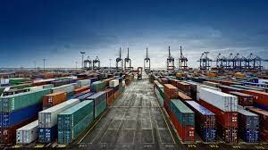 Dois monstros assombram o comércio exterior
